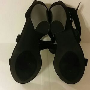 """Shoe Dazzle Shoes - Strappy 4"""" Block heel with buckles"""